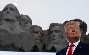 Президент США Дональд Трамп выступает по случаю Дня Независимости США