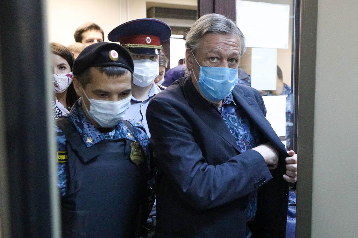 Кто консультирует Кремль по«делу Навального»: Пашаев или Добровинский?
