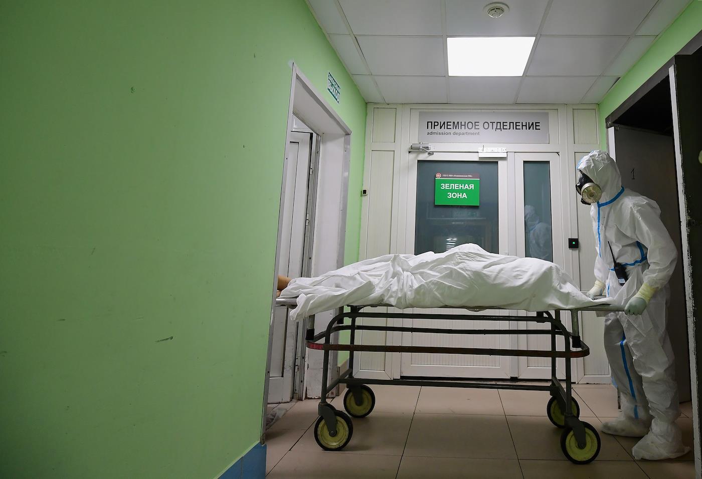 «Онумирал, умирал, иврачи его много раз спасали»: как инженер провел пять месяцев вкоронавирусной реанимации
